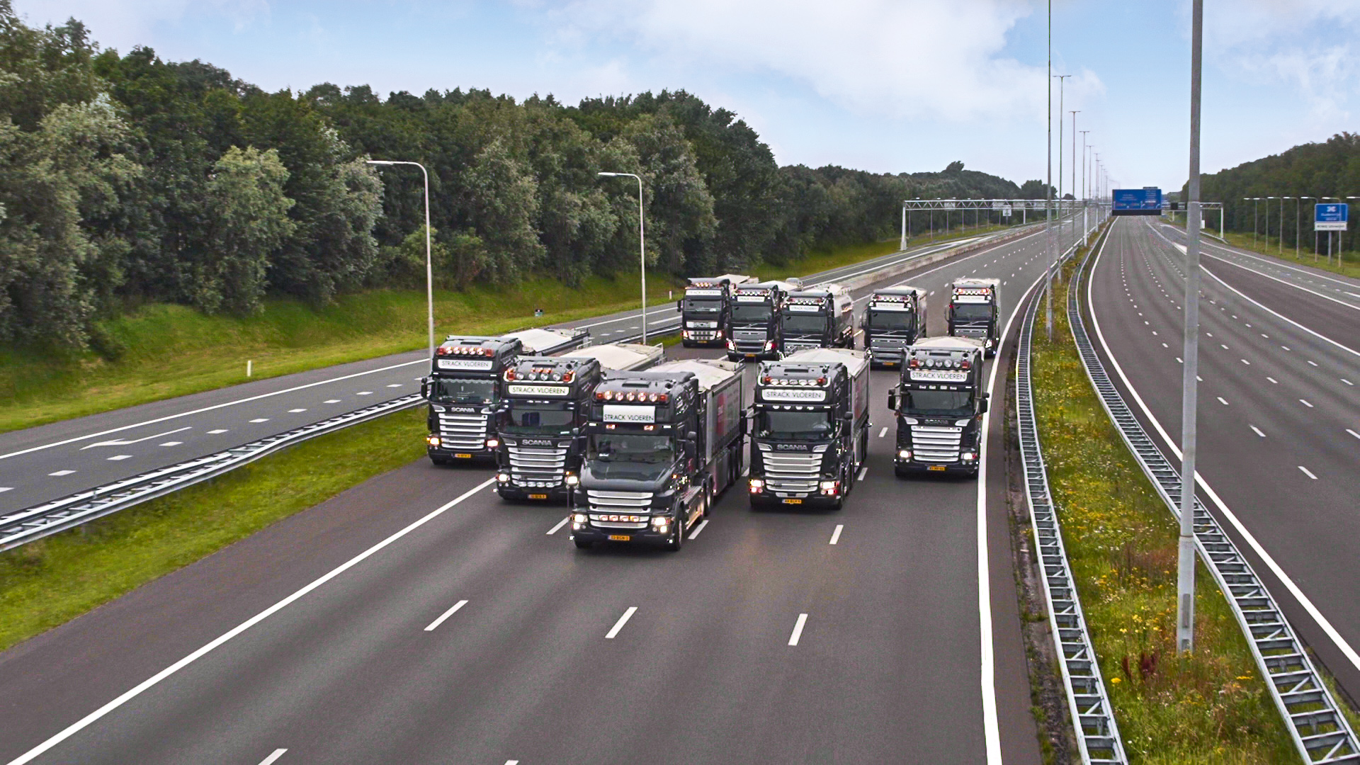 Vrachtautos Strack Vloeren